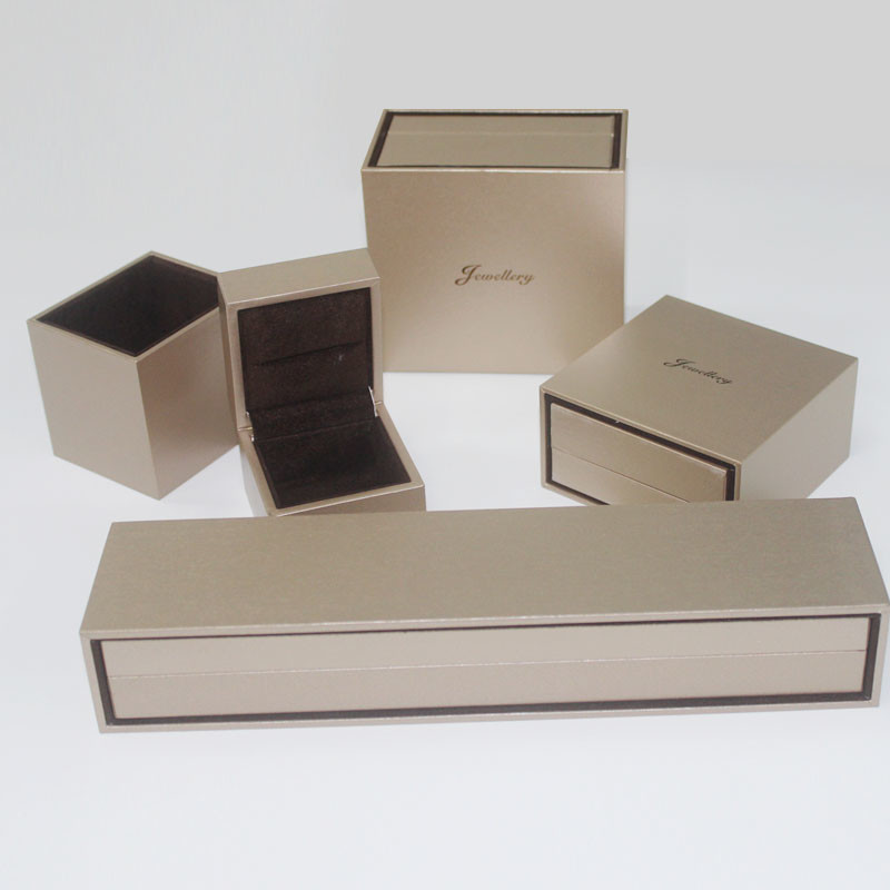 Custom Luxury Jewel Gift Box