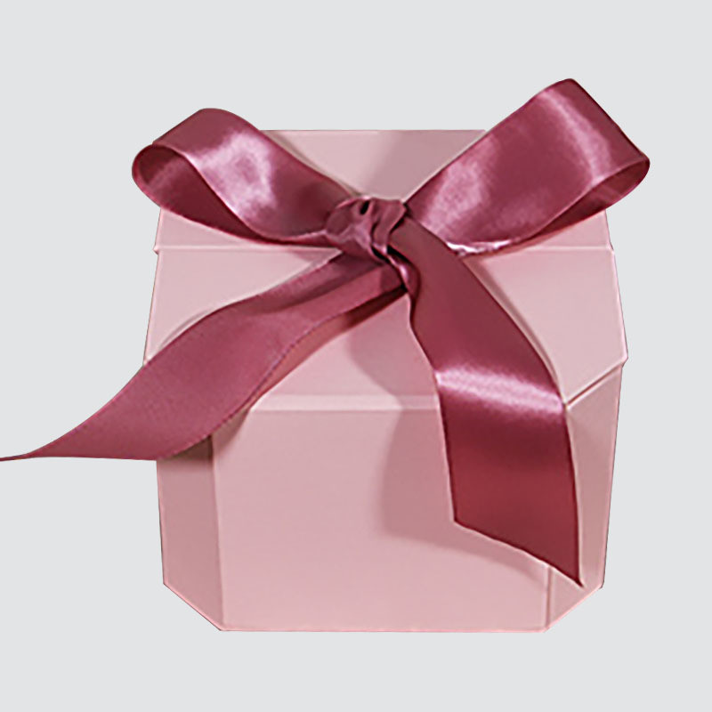 Gift boxes with beautiful bow for fragrance packaging box