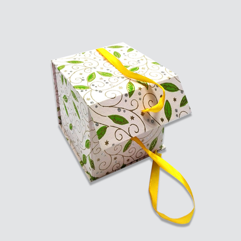 Custom packaging gift box
